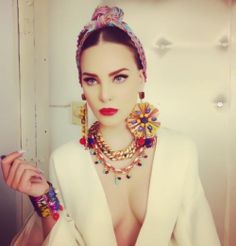 Dolce and gabbana Mexican Outfit, Mexican Style, Fashion Art, Fashion Beauty, Womens Fashion, Estilo Folk, Mexico Fashion, Dress To Impress, Fashion Photography