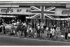 THE people of Burton put away their bunting and Royal regalia in July 1982 as they learned the Queen's tour of the town had been canned. Under the headline of 'Right Royal let-down', the Burton Mail. Old Pictures, Old Photos, Burton On Trent, Queen Birthday, Local History, Great Britain, Derby, Tours