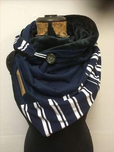 Wrap scarf, x 60 cm, Etsy Shop: Delimade, Germany - Halstuchliebe - crafts home Diy Scarf, Cowl Scarf, Scarf Wrap, Elegantes Outfit Frau, Sewing Scarves, Head Scarf Styles, Scarf Tutorial, Moda Casual, Triangle Scarf