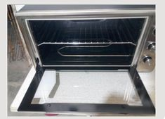 If You're Bored With Oven Cleaning Try This Method Oven Cleaning, Cleaning Hacks, Clean House, How To Stay Healthy, Kitchen Appliances, Diy Kitchen Appliances, Home Appliances, Oven Cleaner, Kitchen Gadgets