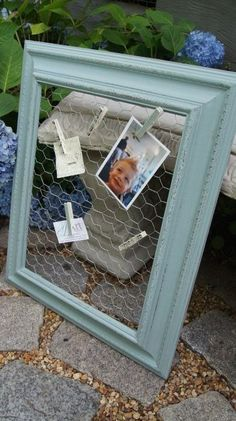 How to Turn an Old Picture Frame into a Clipboard! I like this idea better than my old window screen. The clips would hold pictures better!                                                                                                                                                     Mais
