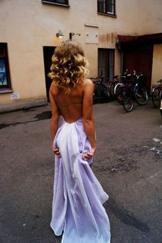 love the color and the open back