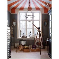WOW- STRIPED CEILINGS really highlighting the pitched roof here.. Pic credit @babble #kidsinterior #kidsroom #kidsbedroom #childrensroom #childrensinteriors #kidsdecor #decor #kidsbedroominspiration #childrensbedroom #childrensspaces #girlsroom #girlsbedroom #boysroom #boysbedroom #interiorinspo #bedroom #interiors #roxyoxycreations #strippedceilings #stripes