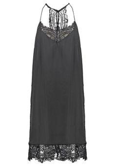 Ein schöner Rücken kann auch entzücken. Selected Femme SFLOVE - Freizeitkleid - black für 49,95 € (10.11.15) versandkostenfrei bei Zalando bestellen.