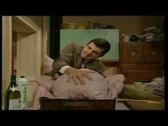 Mr Bean and the Christmas Turkey (+playlist) Christmas Turkey, Christmas Time Is Here, Christmas Music, Mr. Bean, Chicken Lollipops, Films, Movies, Haha, Funny Stuff