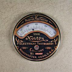 Printed Norton Voltmeter Gauge Magnet - Steampunk Gauge Magnet Mechanical Gears | eBay Steampunk Costume, Steampunk Diy, Steampunk Coffee, Antique Shelves, Radio Design, Minimalist Graphic Design, Steampunk Gadgets, Retro Futuristic, Vintage Keys