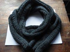 Bufanda para hombre, tejida con dos agujas y lana.