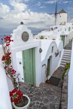 Path in Oia - Santorini, Greece