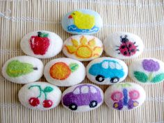 What a beautiful gift idea. Source by The post Hand Felt Soaps appeared first on Soap. Handmade Soaps, Handmade Crafts, Wet Felting, Needle Felting, Felted Soap Tutorial, Crafts To Sell, Fun Crafts, Types Of Craft, Handmade Christmas