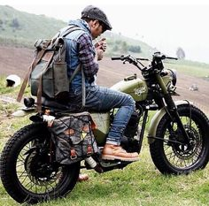 Custom Culture Bobber & Chopper Motorcycles Style, Tattoo and Fashion / Clothing Inspirations Cafe Racer Motorcycle, Moto Bike, Motorcycle Style, Biker Style, Motorcycle Camping, Women Motorcycle, Motorcycle Quotes, Motorcycle Helmets, Blitz Motorcycles