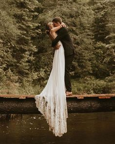 Gorgeous wedding dress inspo for this forest wedding 👰🧡 Swipe through these amazing photos by wedding dress nature Long Train Wedding Dress Inspo for a Woodsy Wedding Wedding Dress Train, Gorgeous Wedding Dress, Best Wedding Dresses, Dream Wedding, Wedding Day, Wedding Shot, Wedding Photoshoot, Woodsy Wedding, Forest Wedding