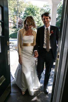 How to Plan the Perfect Second Wedding Over 40 Wedding Dress Over 40, Second Wedding Dresses, Pretty Wedding Dresses, Wedding Dress With Pockets, Affordable Wedding Dresses, Lace Mermaid Wedding Dress, Second Weddings, Wedding Dress Shopping, Perfect Wedding Dress