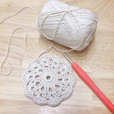 재밌어요~모티브뜨기♡소소한행복 다이소 면뜨개실(도안첨부) : 네이버 블로그 Doilies, Crochet Stitches, Crochet Earrings, Crocheting, Knitting, Model, Ideas, Dots, Crochet