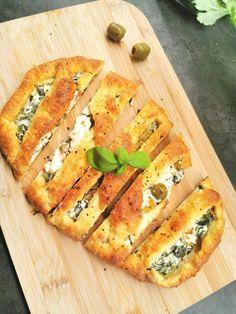 Gresk brød med spinat og fetaost Lchf, Keto, Spanakopita, Ethnic Recipes, Spinach
