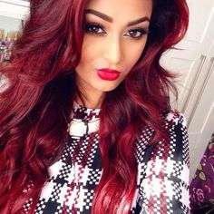 A Great Look. Love Her Red Lipstick And Hairstyle.