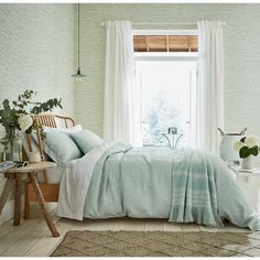 Add a touch of understated elegance with Manderley, a subtle sinuous design created in a delicate and calming colour palette. The jacquard duvet cover and oxford pillowcase are woven in a soft textural linen/ cotton blend and are finished with fine co Mint Green Rooms, Light Green Bedrooms, Green Master Bedroom, Mint Rooms, Bedroom Mint, Master Suite, Room Ideas Bedroom, Bedroom Decor, Mint Bedding