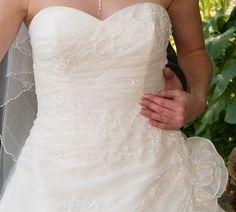 ♥ La Sposa Brautkleid, Märchenhaft, Gr.36, lange Schleppe! ♥  Ansehen: http://www.brautboerse.de/brautkleid-verkaufen/la-sposa-brautkleid-maerchenhaft-gr-36-lange-schleppe/   #Brautkleider #Hochzeit #Wedding