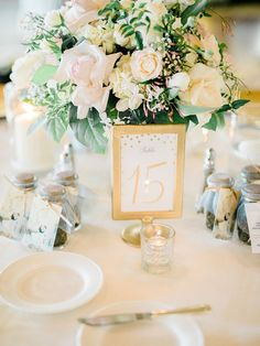 DIY Wedding table numbers | gold frame table numbers
