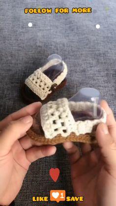 Crochet Baby Sandals, Crochet Baby Boots, Booties Crochet, Crochet Baby Clothes, Crochet Slippers, Knit Baby Shoes, Knit Baby Booties, Crochet Shoes, Knitted Baby