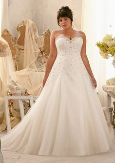 35 beste afbeeldingen van Julietta!! voor de volslanke bruid