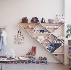 80 Awesome DIY Projects Pallet Shelves and Racks Design Ideas – Home Design Diy Home Decor Bedroom, Home Decor Items, Bedroom Art, Bedroom Ideas, Home Decoracion, Regal Design, Homemade Home Decor, Rack Design, Pallet Shelves