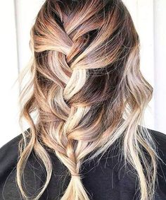 Effortlessly Chic Loose Braided Hairstyles for Long Hair Effortlessly Chic Loose Braided Hairstyles for Long Hai Cool Braid Hairstyles, Wedding Hairstyles For Long Hair, Braids For Long Hair, Loose Braids, Trendy Hairstyles, Braid Styles, Short Hair Styles, Stylish Hair, Balayage Hair
