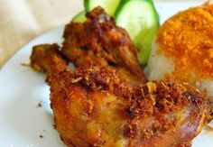 Lekker stukje gefrituurde kip. Ayam goreng cirebon.