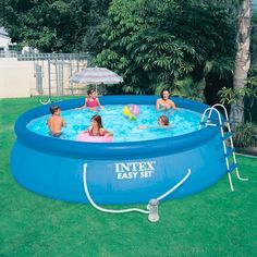 Peque a piscina para patio pinteres for Ideas para piscinas intex