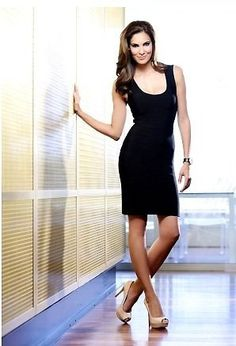 Little black dress! Love it and Daniela Ruah is pretty cool too! Ncis Series, Kensi Blye, Daniela Ruah, Beautiful Actresses, Beautiful Celebrities, Beautiful Ladies, Ncis Los Angeles, Star Wars, Elegant Girl