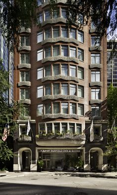Hotel located 1 block east of Michigan Avenue, Magnificent Mile shopping!