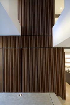 Brightly Lit Modern home In Sydney (9)