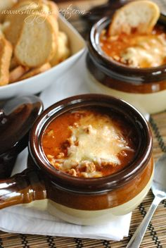 Lasagna Soup: the perfect weeknight dinner, easy and delicious #pork #lasagnasoup @shugarysweets