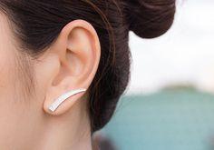 Long Curve Bar Ear Cuff Minimalist Design Ear door karlasdesign