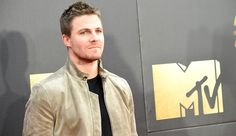 Will There Be An 'Arrow' And 'Supergirl' Crossover? This Is What Stephen Amell Thinks