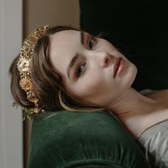 The majesty of Empire comes to life with this noble coin wedding crown, a rendering of artisanal replica Roman coins that shimmer atop the bridal coiffure. Bridal Tiara, Bridal Headpieces, Bridal Crown, Foto Art, Gold Crown, Gold Tiara, Hair Piece, Pretty People, Character Inspiration