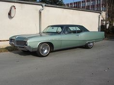1967 Electra 225 like one I owned and loved--same color, too. Electra 225, Buick Electra, Retro Cars, Vintage Cars, Vintage Glamour, Cool Car Pictures, Car Pics, Buick Envision, Buick Models
