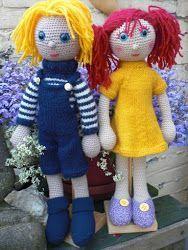 De poppen van Arne en Carlos