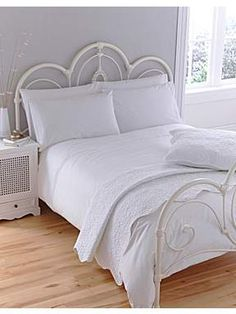 Linea Bourgeois lace duvet cover sets in white #linea #whitebedlinen #houseoffraser