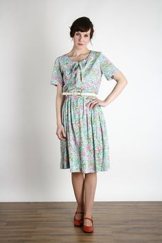 1960s Floral Dress in Pastel Green & Pink by VeraVague on Etsy