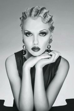 Deep finger waves…so reminiscent of the roaring 20's…also old Hollywood…love it!