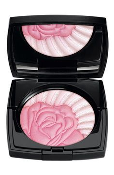 This Lancôme 'La Roseraie' Illuminating Powder is almost too pretty to use!