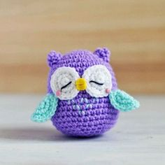 How to Crochet an Amigurumi Owl - Instructions in Italian., schemi italiano How to Crochet an Amigurumi Owl - Instructions in Italian. Free pattern and Tutorials Owl Crochet Patterns, Crochet Owls, Owl Patterns, Cute Crochet, Amigurumi Patterns, Crochet Animals, Crochet Crafts, Crochet Baby, Crochet Projects