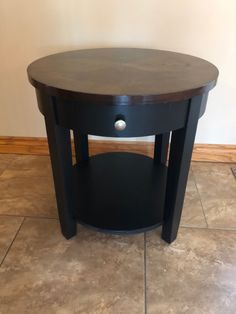 Furniture Repair, Upcycled Furniture, Chalk Paint, Table, Home Decor, Homemade Home Decor, Mesas, Chalk Painting, Desk
