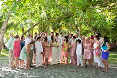 Lilly Pulitzer style wedding in Manuel Antonio, Costa Rica. Lilly Pulitzer's greens, pinks and floral are the perfect destination wedding inspiration.    Costa Rica Wedding Photographers for Style Savvy Brides | A Brit & A Blonde
