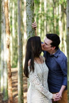 Escolhemos a cidade de Holambra para fazermos o ensaio pre-wedding e ficou lindo, bora conferir! Wedding Couple Photos, Couple Shoot, Couple Pictures, Wedding Couples, Cute Couples, Fall Engagement, Engagement Couple, Engagement Photos, Couple Goals