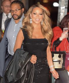 Mariah Carey Out in NYC December 2015 Pictures Mariah Carey Singing, Mariah Carey Young, Nyc In December, Smile And Wave, Nice Dresses, Formal Dresses, Night Looks, Celebs, Celebrities