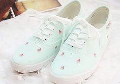Girls Shoes Vans Sz 2 Girls Shoes Under 10 Dollars Vans Converse, Vans Shoes, Shoes Sneakers, Shoes Heels, Sneakers Women, Sneakers Fashion, Fashion Shoes, Girl Fashion, Kawaii Shoes