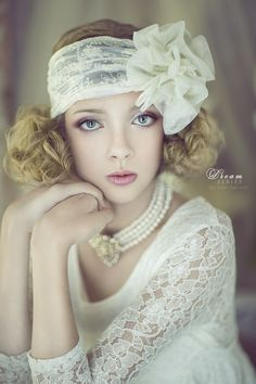 Innocent Vintage by Nikki Harrison on - - Hochzeit Ideen Glamour Vintage, Habit Vintage, Mode Vintage, Glamour Photography, Fashion Photography, Photography Portraits, Fascinator, Gatsby Style, Pearl And Lace