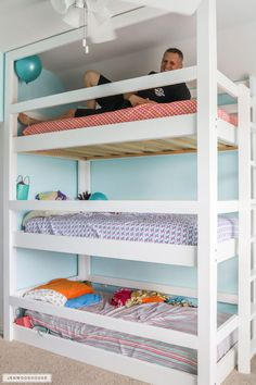 How To Build A DIY Triple Bunk Bed - Plans and Tutorial! Strength test for the DIY triple bunk beds Bunk Beds Small Room, Girls Bunk Beds, Bunk Bed Rooms, Loft Bunk Beds, Modern Bunk Beds, Bunk Beds With Stairs, Kid Beds, Bunk Bed Ideas For Small Rooms, Murphy Bunk Beds