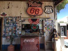 🚩Juego de agudeza visual... Amigos que hacen la Ruta 66🛣 y dejan huella... rocknrayera!!😏 Nos encontráis❓ Route 66, More Followers, Side Door, Coca Cola, Enigma, Fun, How To Make, Biking, Mario